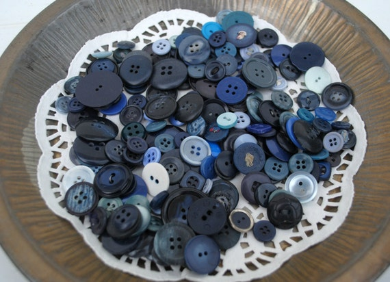 Blue Sew Thru Buttons Assorted Sizes