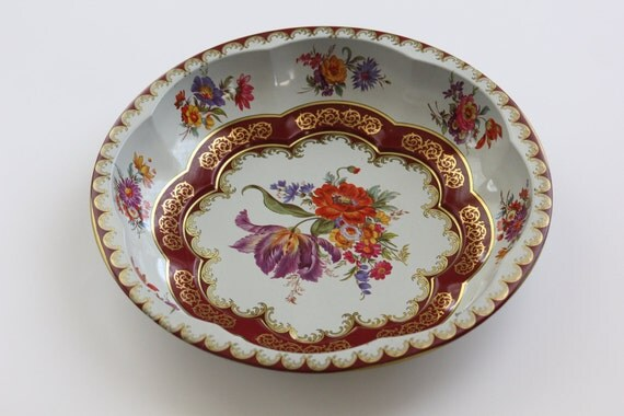 Vintage Tin Daher Decorated Ware Bowl Flowers White Gold and Burgundy