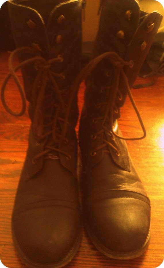 Vintage Brown Combat Lace Up Boots Size 8