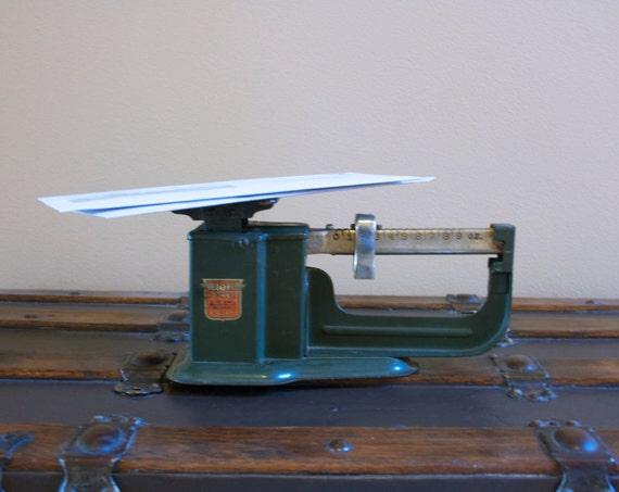 Antique Triner 9oz. Postal Scale