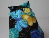 CUTE Little Raggy Cat Pin Cushion