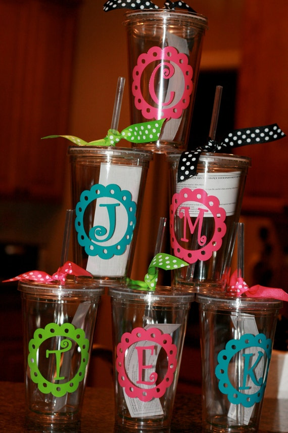 Acrylic cups with monogram or initial in scallop