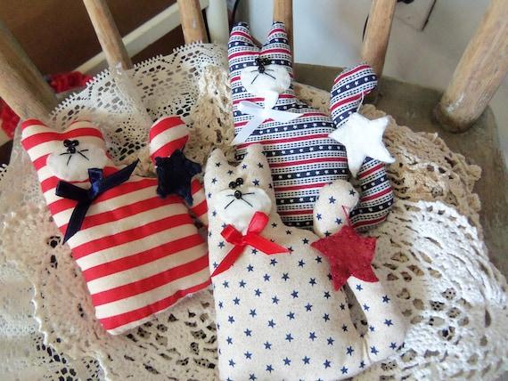 Primitive Bowl Fillers Tucks Americana Patriotic Barn Cats set of 3