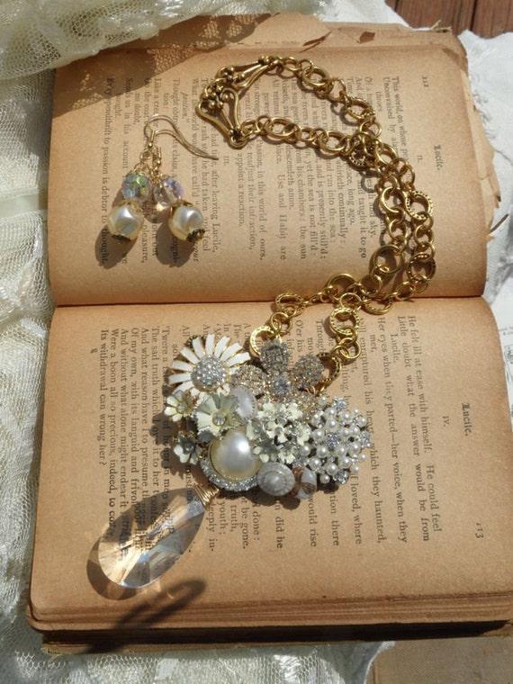 Golden Treasure Necklace Set
