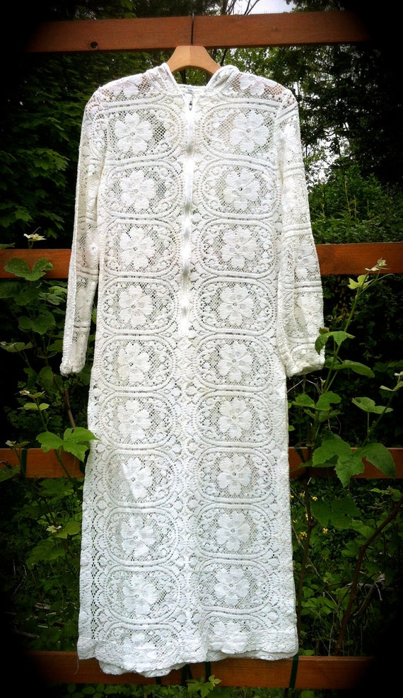 1960s Solid Lace Beach Coverup