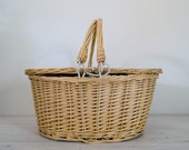 vintage oval wicker picnic basket with plaid lining