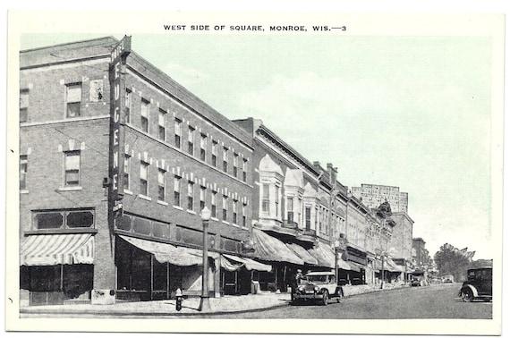 Wisconsin Vintage Postcard Street Scene Lampost Old Cars RPPC