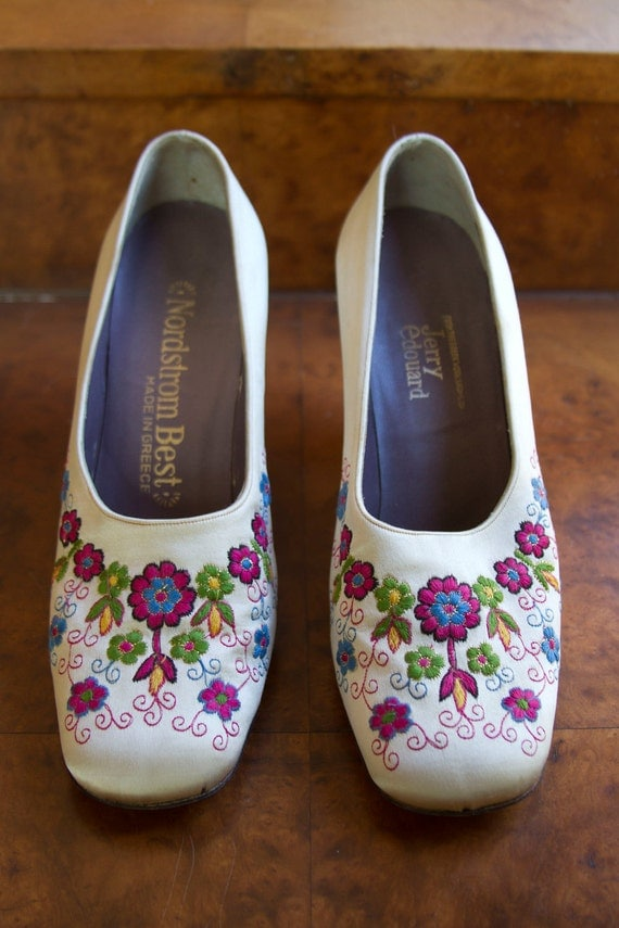 1960's White Silk Floral Embroidered Greek Shoes