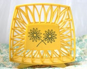 Retro Yellow Daisy Napkin Holder