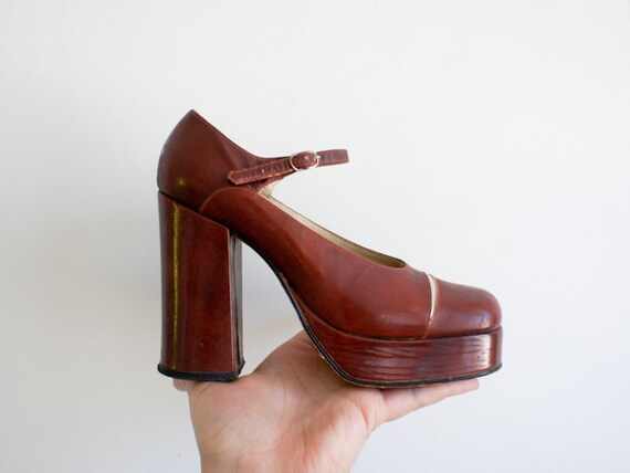 vintage french leather platform shoes from the 1960's, made in Paris by ORLY'S Shoes