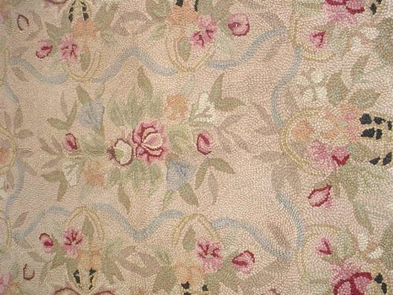 Vintage Hooked Rug Roses Cottage Chic Home Decor Pinks 33 x 53
