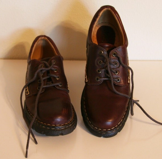 Born Hiking Shoes -:- Womens Cordovan Oxfords, size 9.5