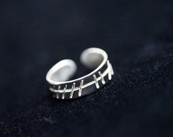 Silver Ogham Toe Ring for IVY Signs Sept 30th - Oct 27th