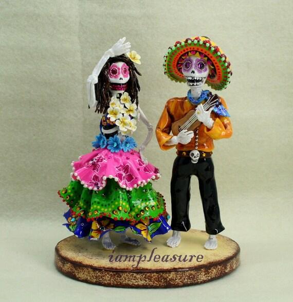 Love never die Mexican vs. Hawaiian dance cake topper Skeleton bride & groom ST0004