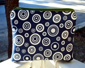Circles in Circles - a zippered pouch