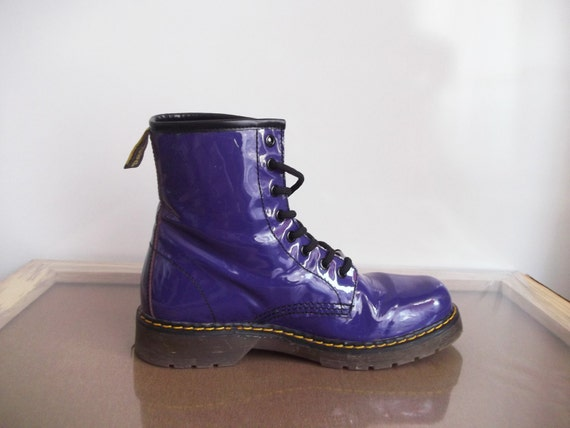 Vintage 90s Grunge Purple Patent Leather Boots 8 1/2