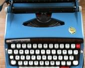 vintage manual typewriter Brother webster xl-747 (blue)