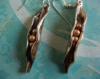 Pea Pod Earrings, Three Peas in a Pod Earrings,  Sister Earrings, Mothers Day Gifts, Family Jewelry, pea pod Pure silver earrings
