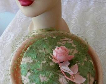 Vintage 1950s Powder Pink Rose Ivy Net Fine Straw Garden Party Hat