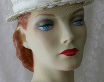 Vintage 1950s Darling White Straw Brim Hat with Confetti Veil