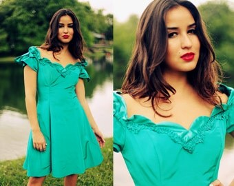 Vintage 1980s Teal Green Aquamarine Prom Party Dress