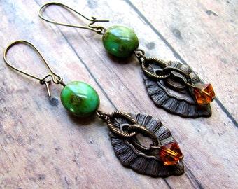 Brass Leaf Earrings, Vintaj Brass Earrings, Swarovski Earrings, Green Earrings, Leaf Earring, Fall Earrings, Dangle Earring, Autumn Earrings