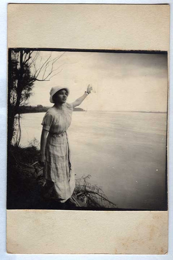 Beautiful Painting like ANTIQUE  PHOTO of Woman by the waters Edge Waving