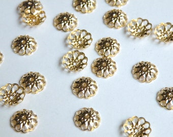50 Bead caps flower shiny gold plated brass 8mm (fits 8-10mm) A5630FN