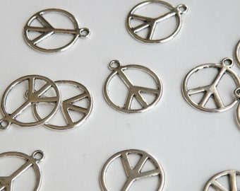 10 Peace sign hippie groovy charms antique silver 18x21mm PK67-AS