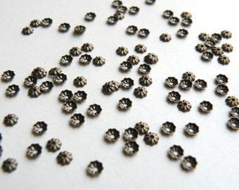 100 Tiny scalloped bead caps ribbed antique bronze 3.5mm A5568FN