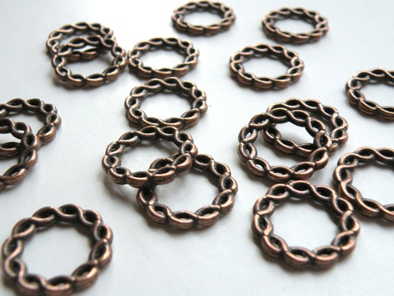 10 Braided twisted round circle ring connector links or focal piece antique copper 20mm 1844BB