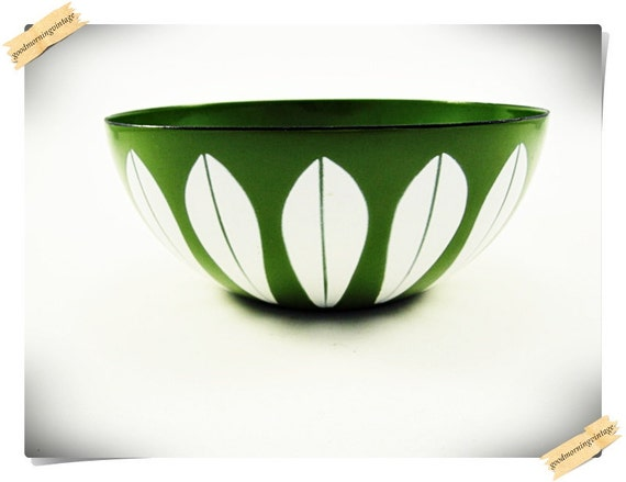 8'' Cathrineholm Lotus Green Enamel Bowl