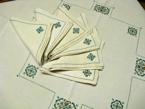 Vintage Cotton Tablecloth and Six Napkins, Cross Stitch Cream Linen
