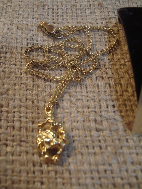 Vintage Ronte of Hollywood The Golden Nugget Pendant Necklace
