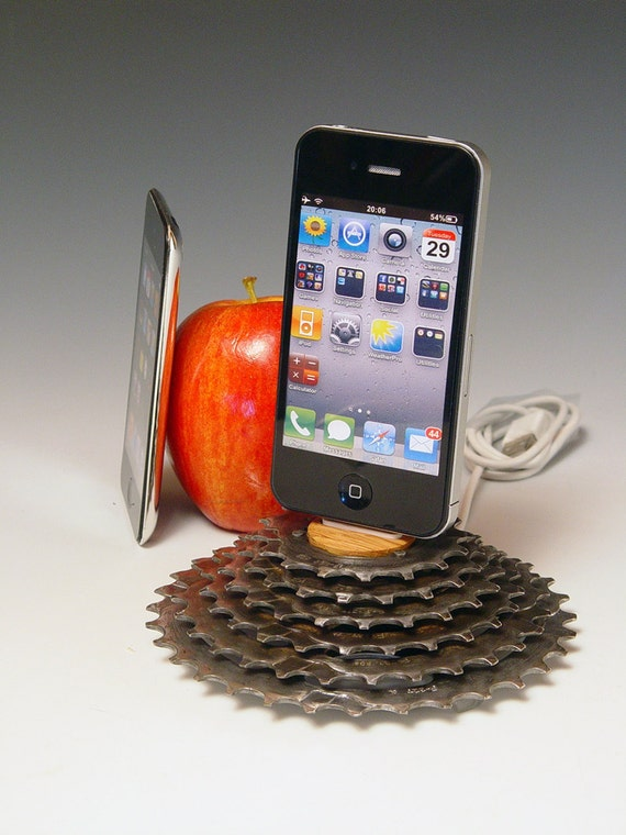 iPhone dock. iPod dock. iPhone 3, 4, 5. Recycled bicycle gear and oak. A unique gift for a cyclist, gear head, or steampunk.  219.
