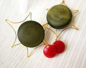 Holly Holiday Ornament - Vintage Buttons
