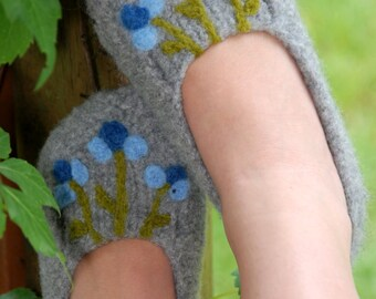 Blue Modern Floral Felted Slippers  (Ladies Sizes)