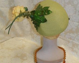 "1930""s Pistachio Green Straw Hat"