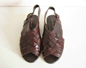 Reserved for Lindsey / vintage 70s boho brown leather sandals / size eur 38, us 8, uk 5 1/2
