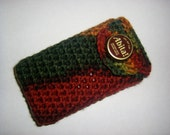 Crocheted iPhone / iPod / smartphone holster with Abita beer bottle cap button