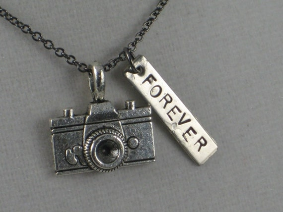 A PICTURE Lasts FOREVER Necklace - Photographer Jewelry - Photography Lovers Necklace on Gunmetal chain - Camera - Photo - Take a Pic
