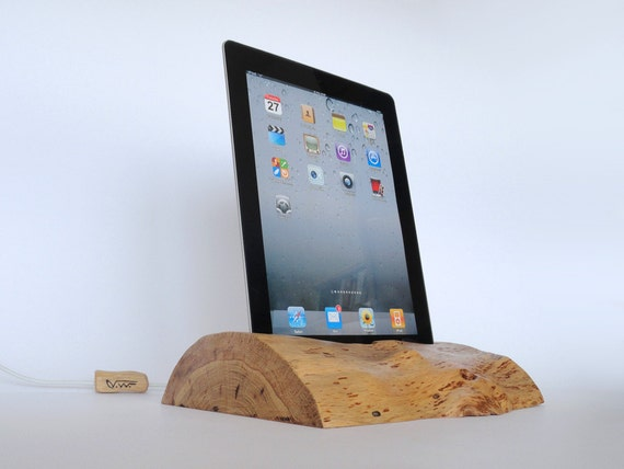 ipad one ipad 2 wooden docking station dock sync charge. Black Bedroom Furniture Sets. Home Design Ideas