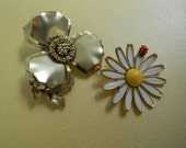 Vintage set of two flower brooches ladybug and flower brooch marked Weiss