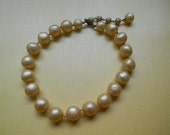 Vintage cream colored textured pearl choker necklace