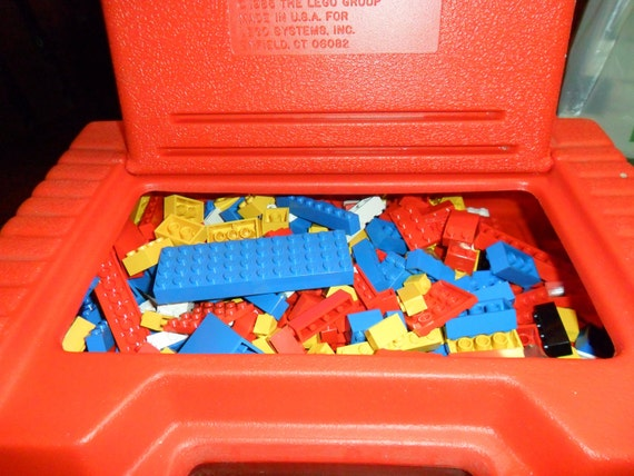 Vintage 1985 Red Lego Storage Carry Case With 380 Pieces