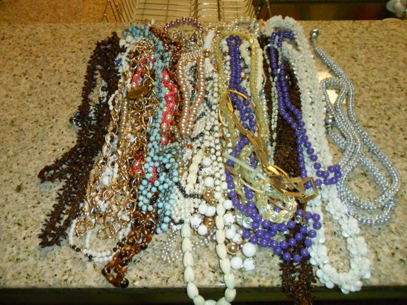 Vintage Lot of Costume Jewelry Necklaces