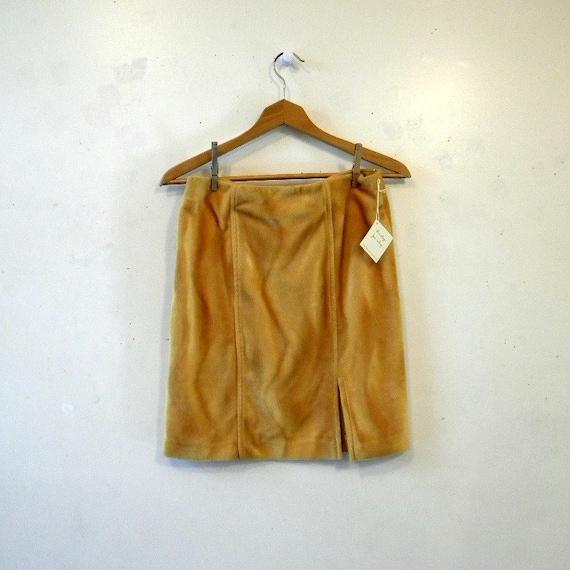 Mod Faux Fur Skirt in Mustard Yellow / Size M