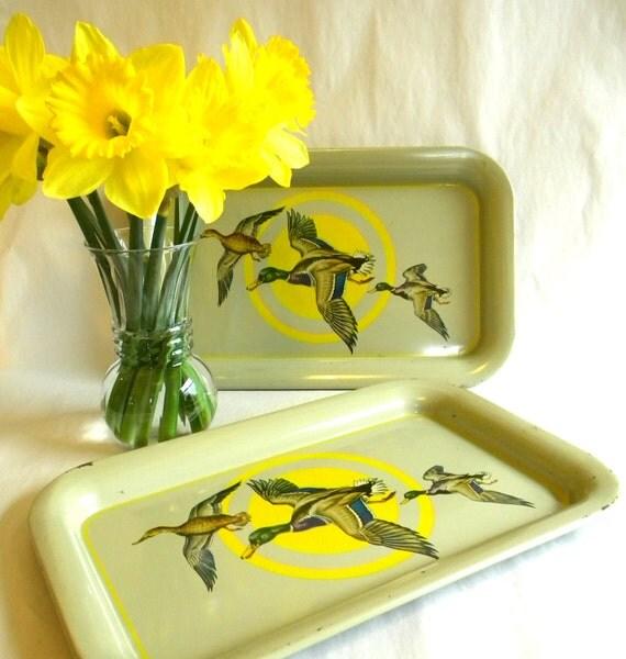 Sorry Birdie Vintage Snack Trays / Kitschy Ducks with Target