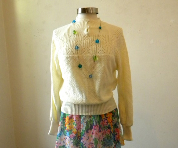Sweet 1970s Sweater / Ivory White Lacy Pointelle Pullover / Hipster Clothing