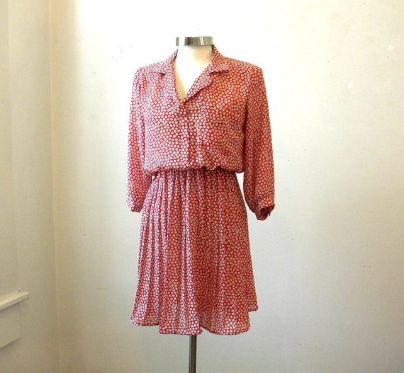 Pleated Red Dress / 80s Clothing / Career Dress Secretary / Floral Shirtdress